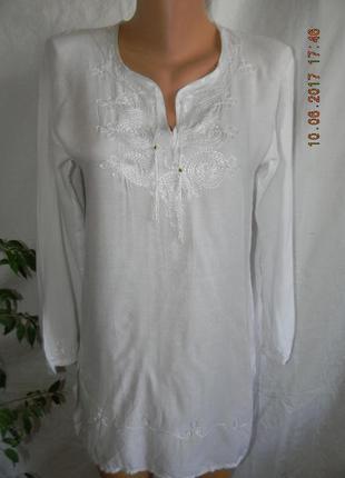 Легкая белая блуза-туника с вышивкой