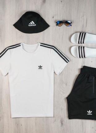 Футболка Adidas Тапочки Adidas Сланцы Панама Шорты Адидас Очки