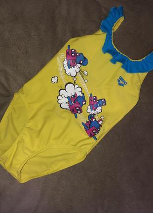 Желтый цельный купальник arena на девочку 2-3