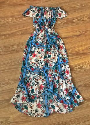 Летнее платье в пол длинное платье в цветы голубое развивается
