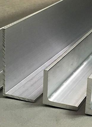 Алюминиевый разносторонний уголок 210х40х4 АД31 Т5