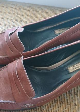 Стильные туфли ecco на устойчивом каблуке