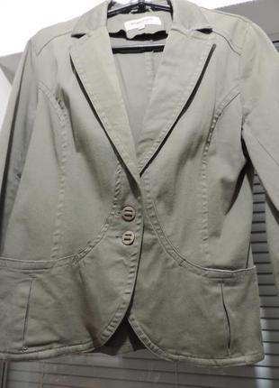 Котоновый женский пиджак с длинным рукавом
