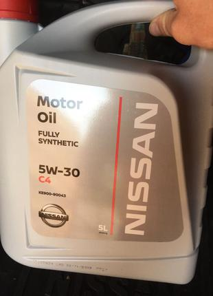 Продам моторное масло Nissan / Infiniti C4 5W-30