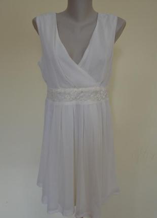 Шикарное фирменное нарядное нежное платье с гипюровыми вставка...