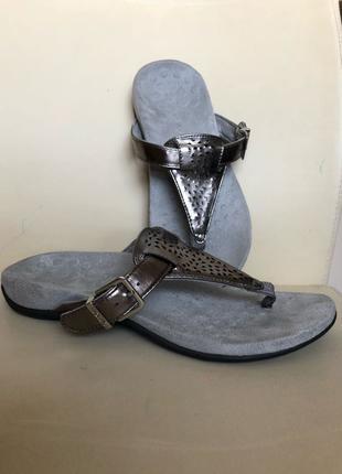 Ортопедическая обувь vionic with orthaheel technology