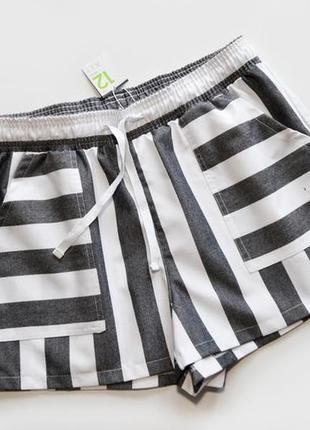 Актуальные шорты в полоску