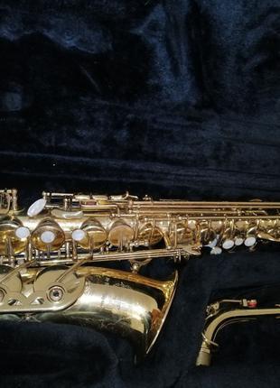 Музичний духовий інструмент- саксофон