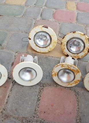 Светильники с лампочками точечные потолочные светильники свети...