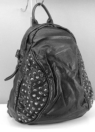 Рюкзак-сумка кожзам женский черный с заклепками