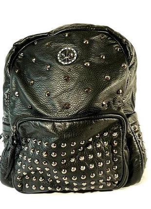 Рюкзак кожзам черный заклепками