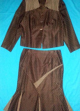 Женский костюм двойка - жакет, юбка, коричневый