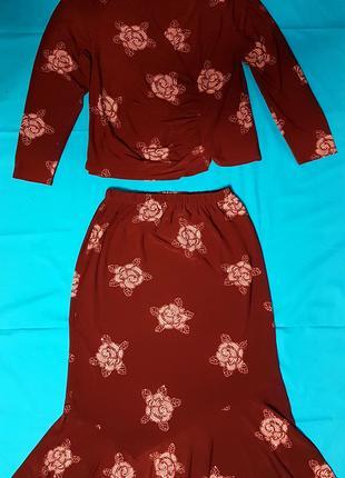 Женский костюм двойка - жакет, юбка, бордо