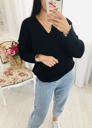 Uniqlo бесшовный черный свитер кокон оверсайз стильного кроя