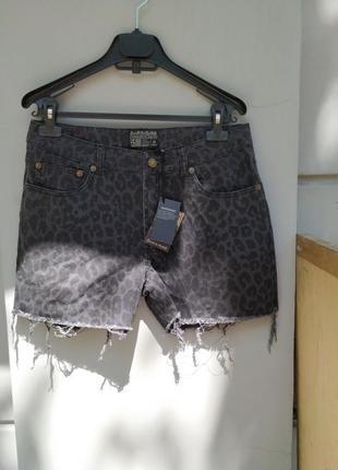 Шорты короткие джинсовые  с леопардовым принтом
