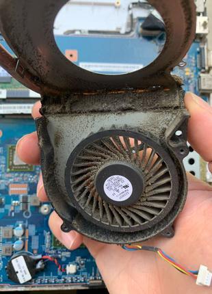 чистка системы охлаждения ноутбук компьютер виндовс Windows вирус