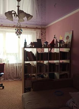 Трехкомнатная жилая квартира на просп. Ак. Глушко 45000$