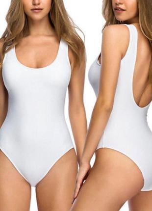 Белый цельный женский купальник