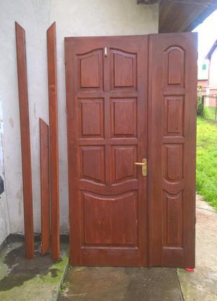 """Продам двері вхідні, двохстворчаті, дерев""""яні, б\в"""