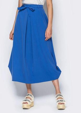 Стильная юбка-миди свободного кроя зауженная к низу