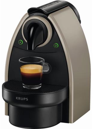 Кофемашина Nespresso Essenza Auto XN214010