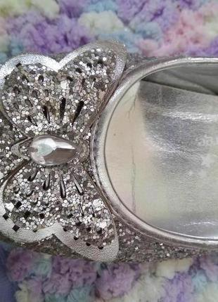 Туфли нарядные серебряные с бабочками pretty princess by george
