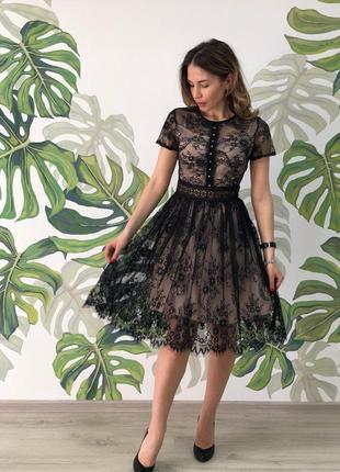 Классное нарядное платье..гипюр