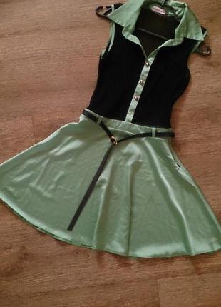 Эффектное платье с сеткой к новому году