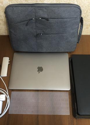 Apple MacBook Pro 13 2017 8/256 i5 A1708 (с перетёртым шлейфом)