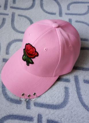 Женская кепка с розой розовая