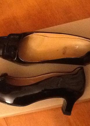 Австрийские кожаные лаковые туфли hogl 41 (26.5) на широкую ногу