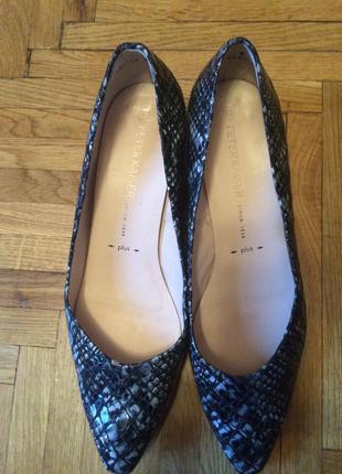 Распродажа! новые австрийские кожаные туфли peter kaiser 42-42...