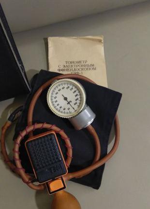 Тонометр с электронным стетоскопом