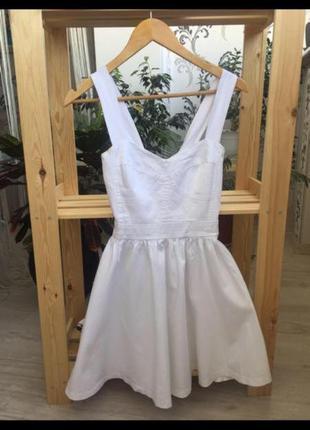 Белое летнее платье короткое платье