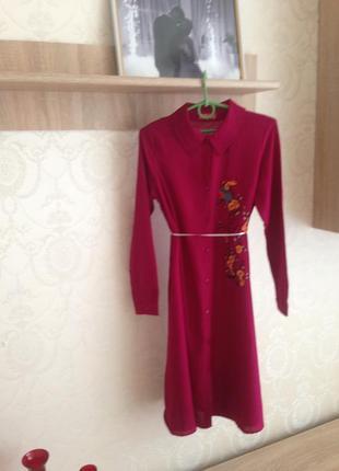 Ручная работа!!!! натуральное платье-рубашка с вышитыми цветами