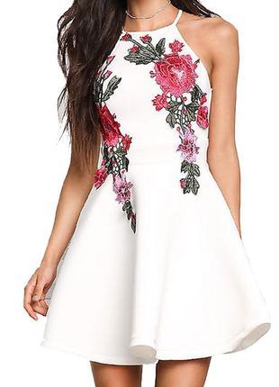 -60% скидки на  идеальное белое платье с вышивкой  ручной работы