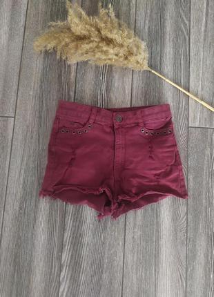 Стильные джинсовые шорты марсала с высокой посадкой