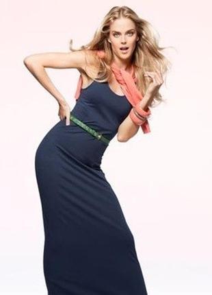 Трендовое макси платье с разрезом по бокам