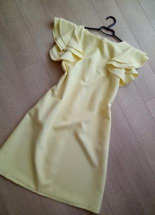Невероятное лимонное платье с пышными воланами