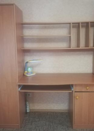 Стенка с шкафом, пеналом и письменным столом