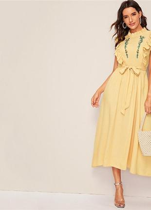 Милейшее лимонное миди платье с изумительной вышивкой