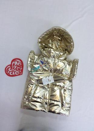 Демисезонная жилетка на силиконизированном синтепоне на девочк...