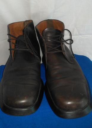 Очень  классные фирменные кожаные мужские ботинки демисезонные