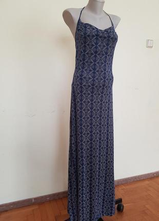 Оригинальное платье открытая спина