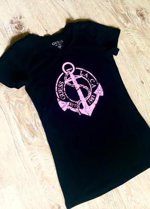 Новая женская футболка guess.