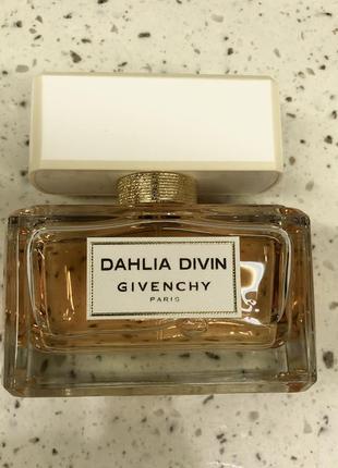 Парфюмированная вода givenchy dahlia divin