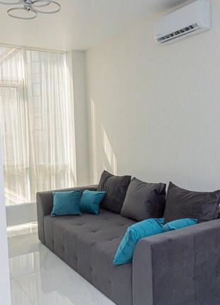 Квартира - студия в новом доме с ремонтом, мебелью и техникой