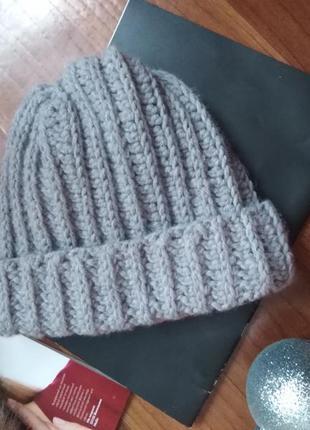 Нежная шапка крупной вязки!