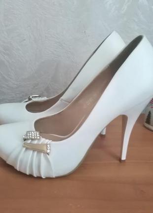 Идеальные кожаные белые туфли!