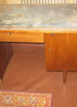 Письменный стол Ш62 х Д104 х В73, район студенческой/героев труда